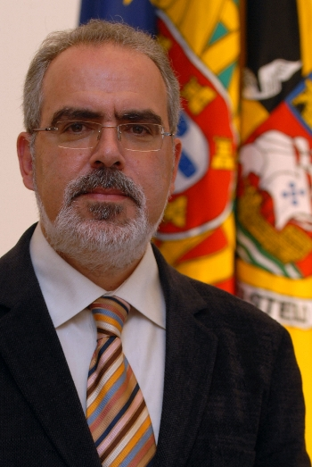 Notícia DN - Câmara de Viana propõe secção de municípios contra as touradas