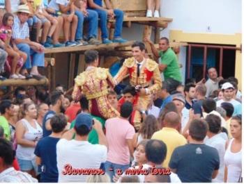 Paco Velásquez triunfa em Barrancos e sai a ombros